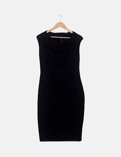 Vestido midi negro tubo