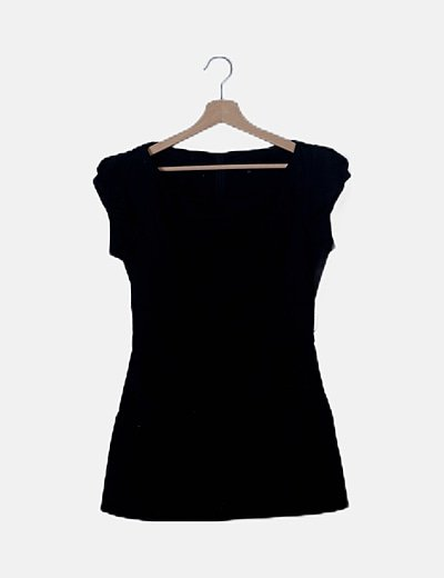 Vestido midi negro detalle bolsillos