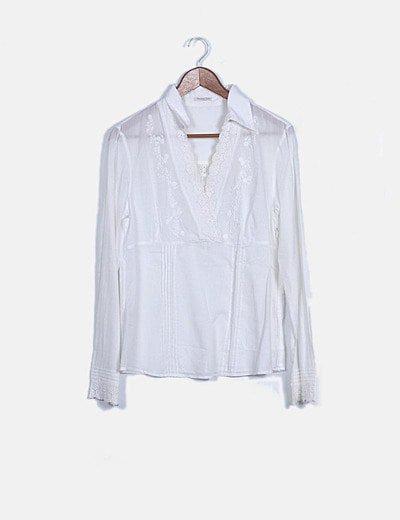 Blusa blanca bordados florales