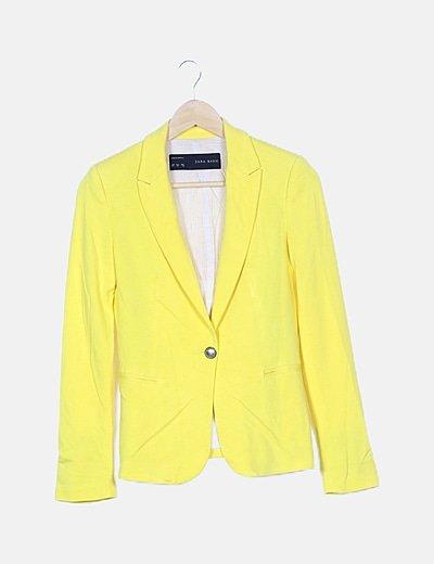 Blazer sport amarilla