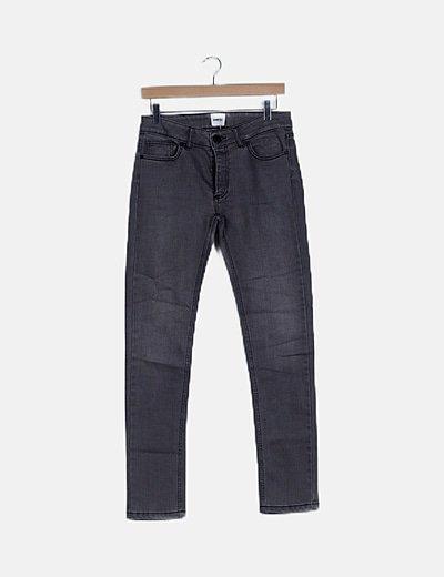 Pantalón gris recto