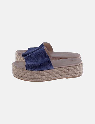 Sandalias plataforma ante azul