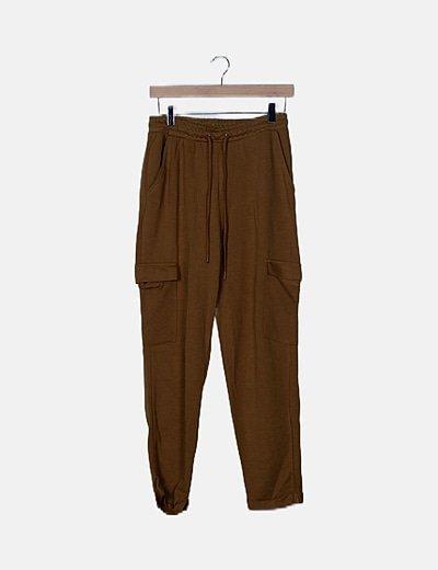 Pantalón cargo camel