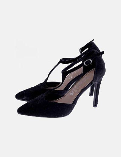 Zapato de tacón negro antelina