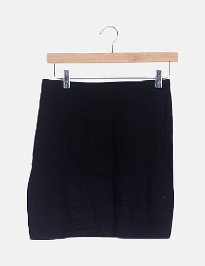 Falda fluida negra