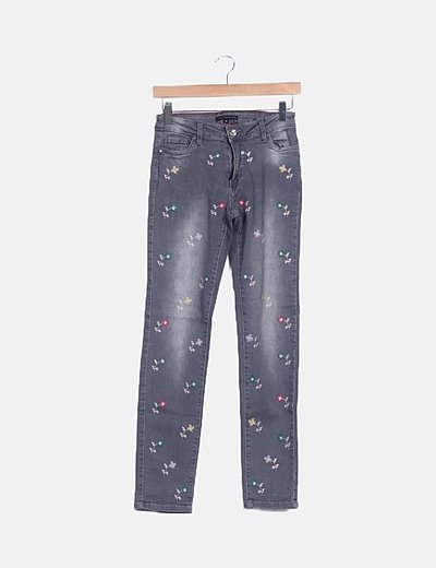 Jeans denim skinny gris bordado