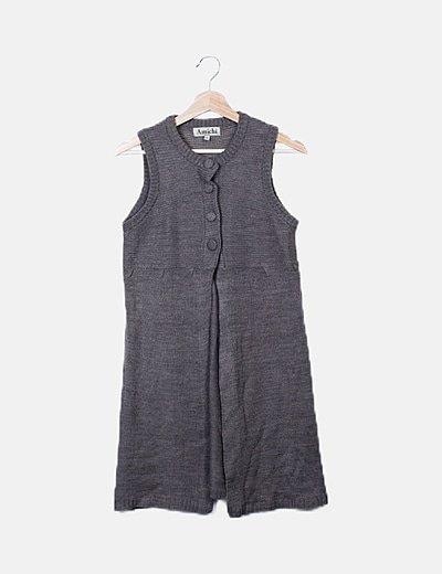 Chaleco tricot gris abotonado