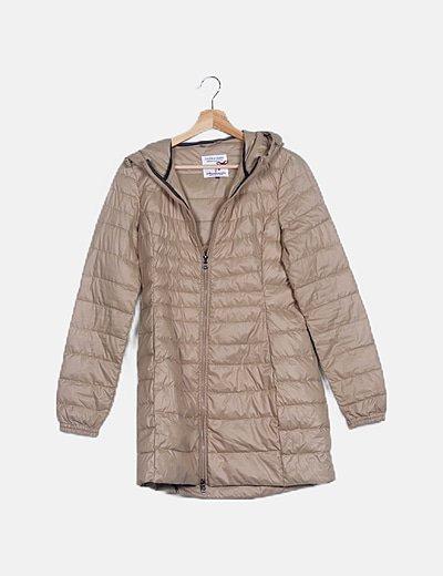 Abrigo largo beige acolchado