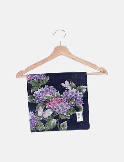 Pañuelo azul estampado floral