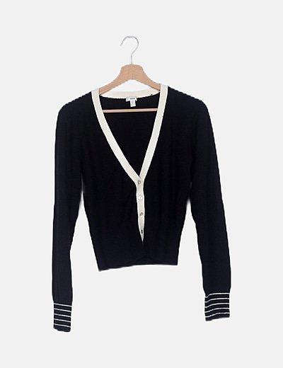 Chaqeuta tricot negra abotonada