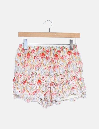 Shorts floral calada