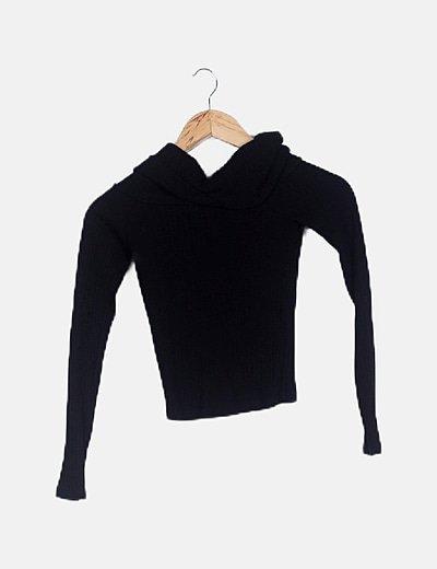 Suéter canalé negro