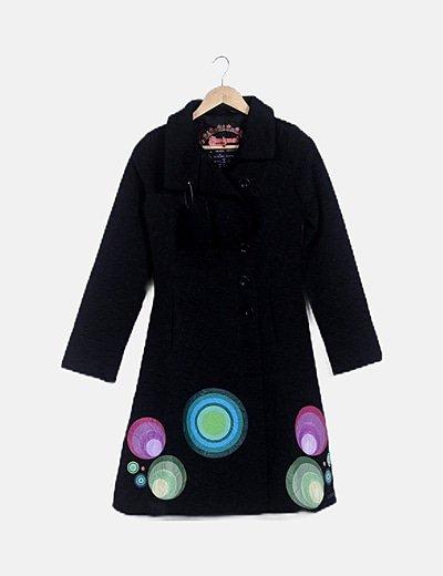 Abrigo largo texturizado negro