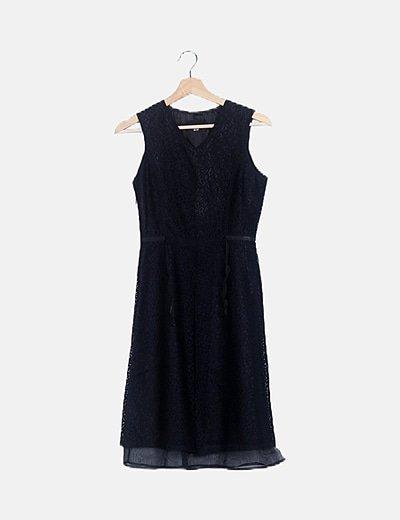 Vestido negro encaje bajo tul