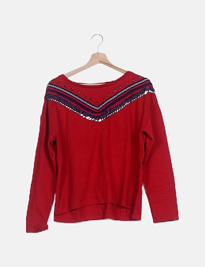 Sudadera roja escote bordado