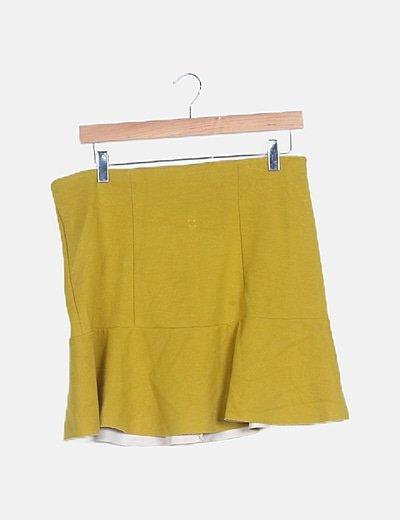 Falda evasé amarilla
