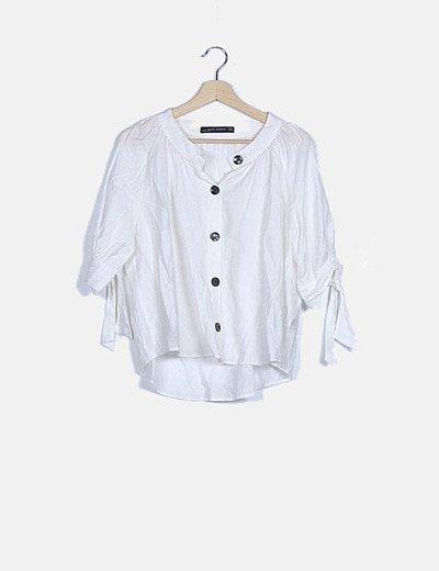 Blusa abotonada blanca