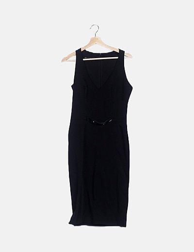 Vestido ceñido negro detalle cinturón