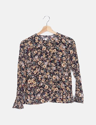 Blusa negra estampado floral