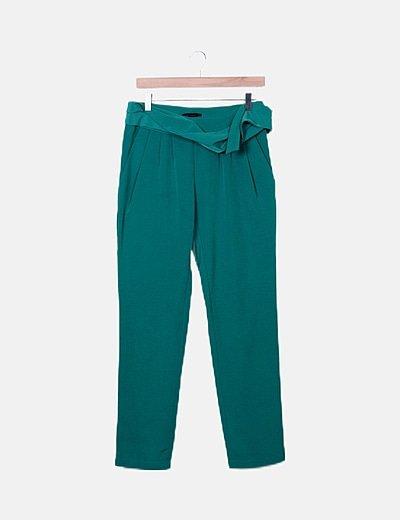 Pantalón pinzas verde satinado