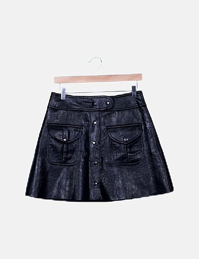 Mini falda polipiel negro corchetes