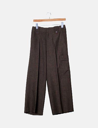 Pantalón khaki detalle bolsillo