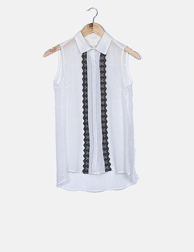 Blusa blanca encaje negro