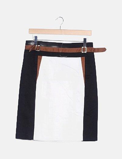 Falda tricolor detalle cinturón