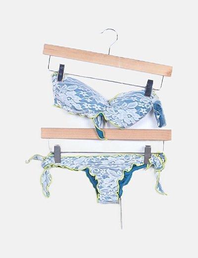 Bikini tricolor detalle encaje