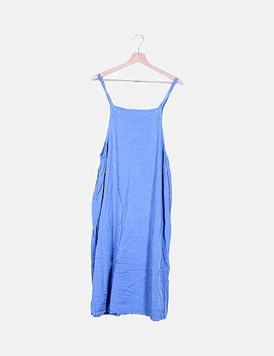 Vestido fluido azul con aberturas