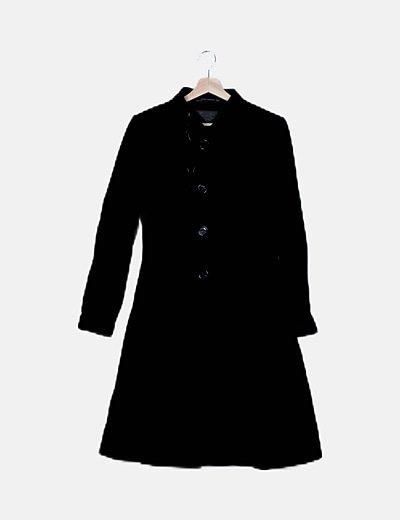 Abrigo negro de paño largo