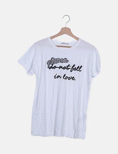 Camiseta blanca detalle perlas