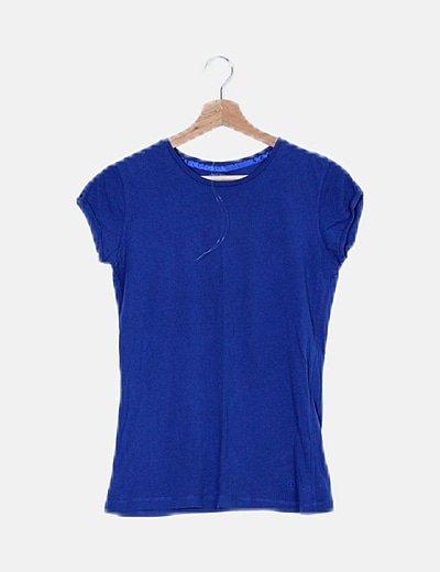 Camiseta azul básica