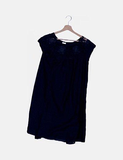 Vestido azul noche bordado