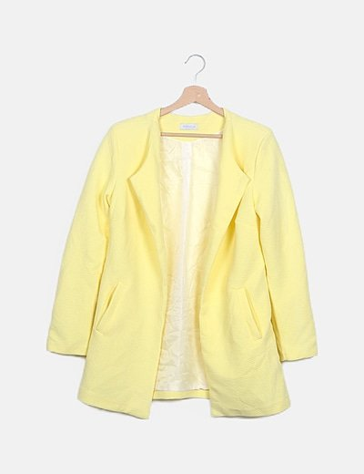 Cazadora amarillo limón texturizada
