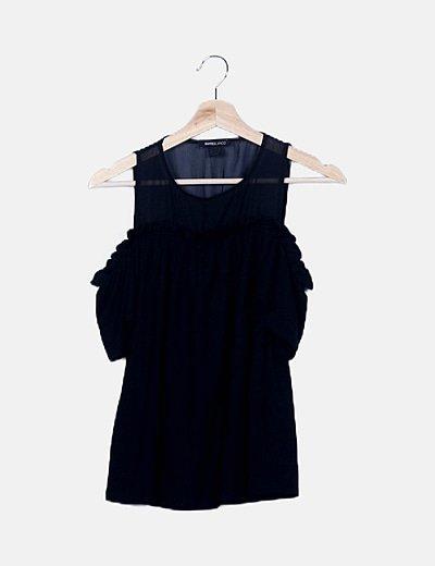 Blusa negra detalle tul