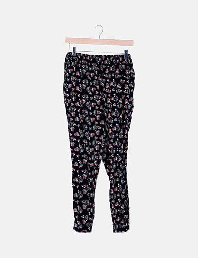 Pantalón baggy negro floral