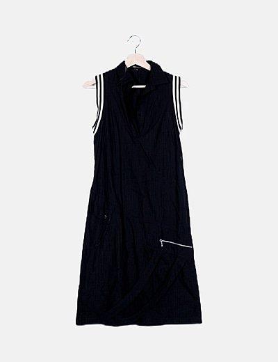 Vestido camisero negro texturizado