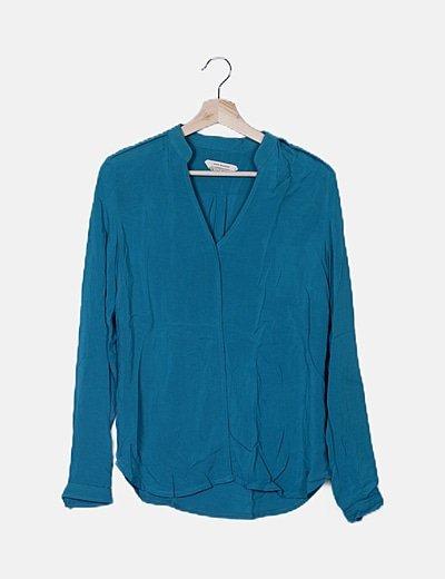 Blusa azul escote mao