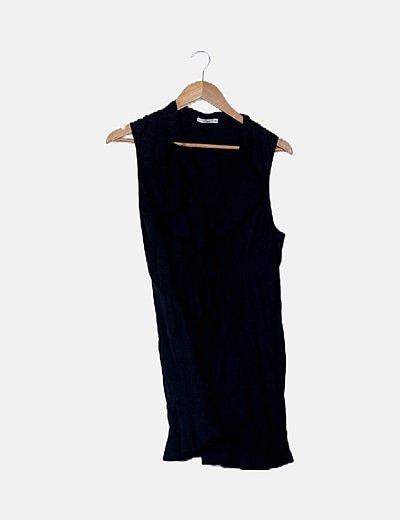 Blusón negro de volantes