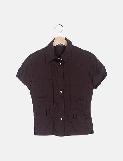 Camisa marrón abotonada manga corta