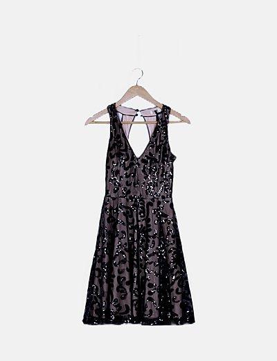 Vestido negro de pailletes