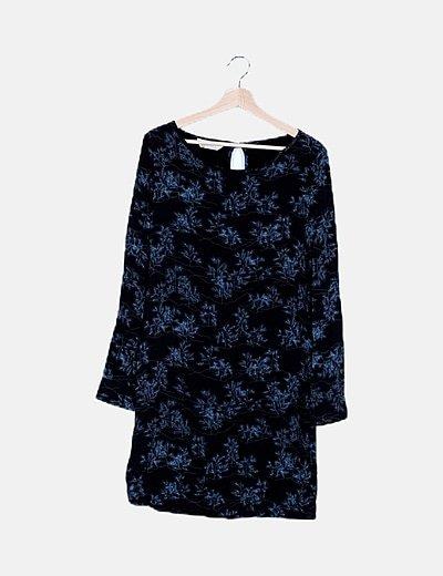 Vestido midi negro estampado azul