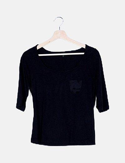 Blusa negra fluida