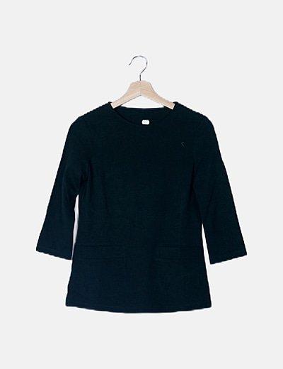Camiseta verde con bolsillos