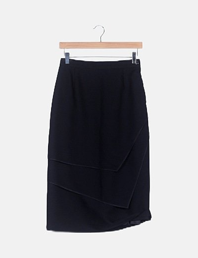 Falda negra recta