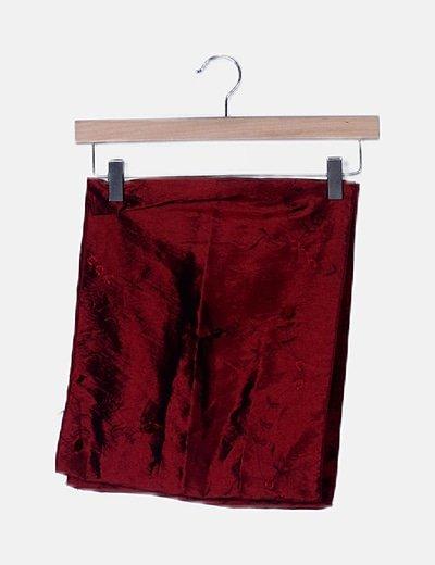 Chal rojo irisado bordado