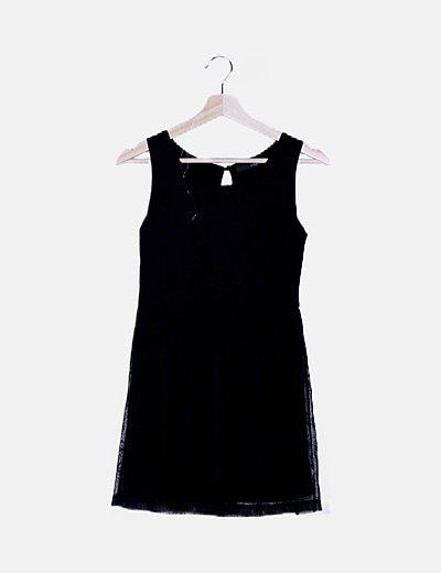 Vestido negro rejilla