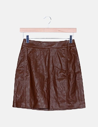 Falda marrón encerada