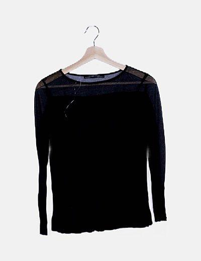 Camiseta fluida negra combinada